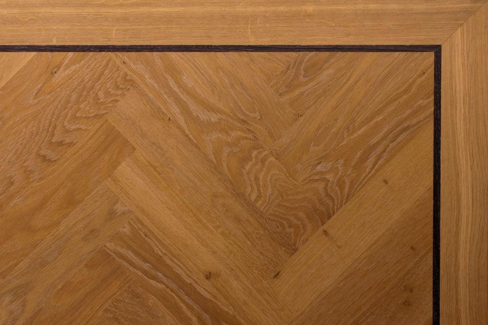 Traditioneel eiken visgraat parket bekijken knulst houten vloeren